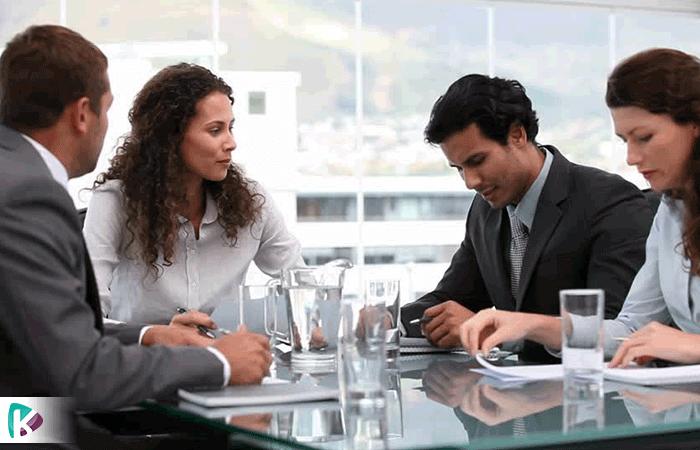 چرا باید جلسات آموزشی و برنامه ریزی با کارکنان برگزار کنیم؟